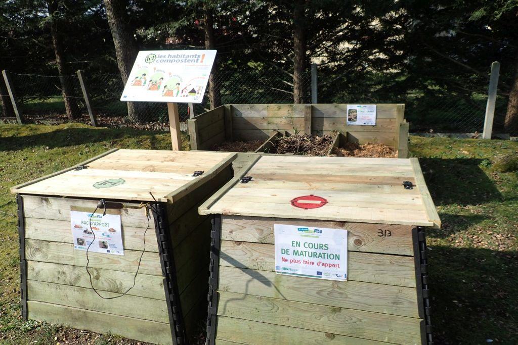 All e du patio des ch nes aire n 313 pont p an vert for Jardin orgeres